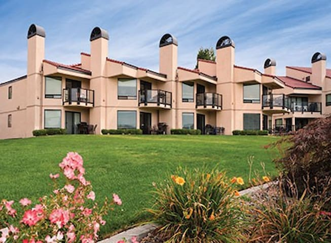 WORLDMARK AT LAKE CHELAN SHORES, WA.