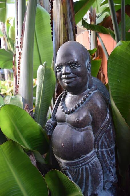 Find the hidden Buddha.