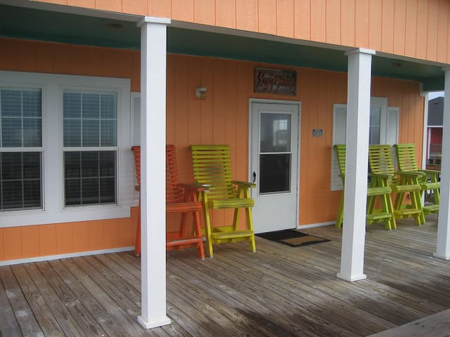 *NO GUEST SERVICE FEE* Sunset Peach ( 3 Bedroom Home )