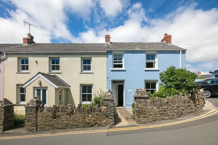 Coastal Cottage Manorbier family and pet friendly