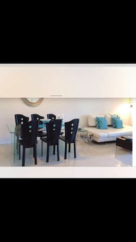 Clean modern apartment!Private driver luxury car !