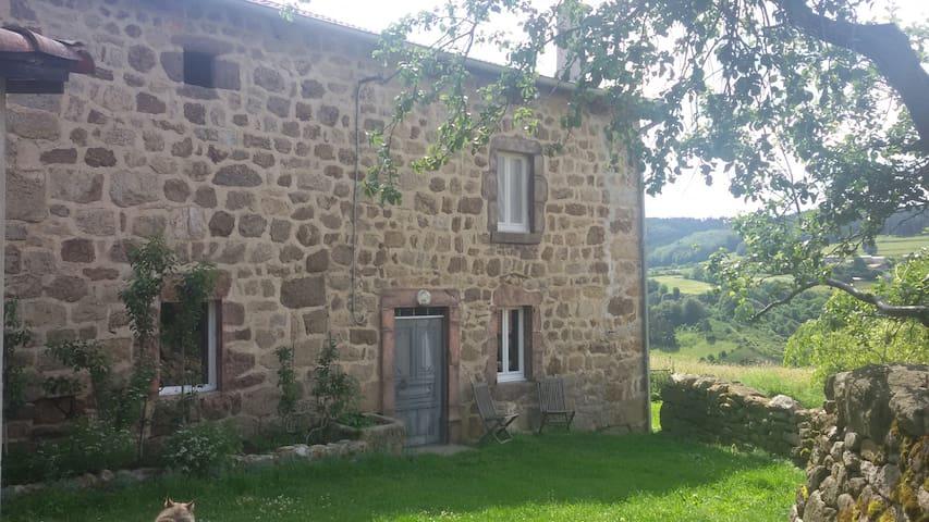 Ferme, Haute-Loire limite Ardèche - Salettes - B&B