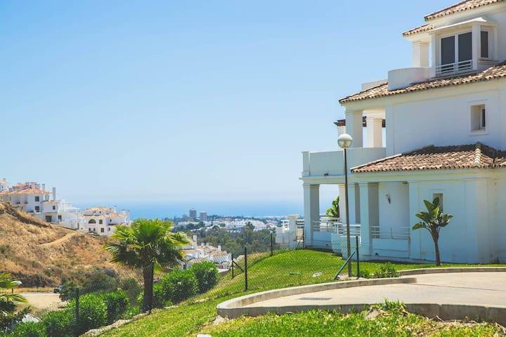 Penthouse Marbella  - 8 min from Puerto Banus