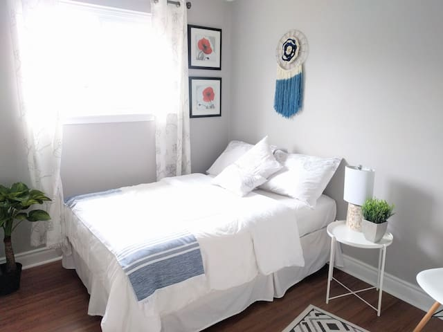 Bright, Spacious, Modern Room in North York