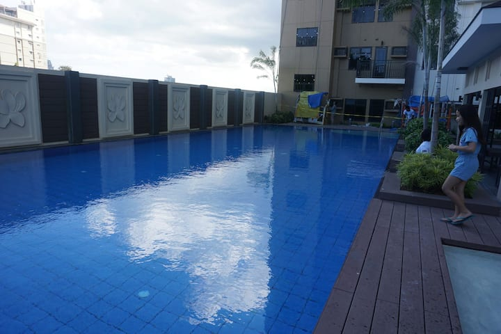 Fully Furnished 1Br Condo Unit (LONG TERM)
