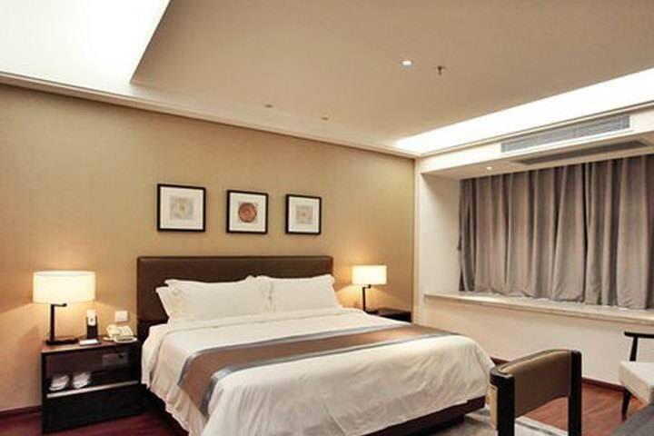 四星级酒店公寓民宿1.8米大床,香港公司管理,市中心,楼下就是商场