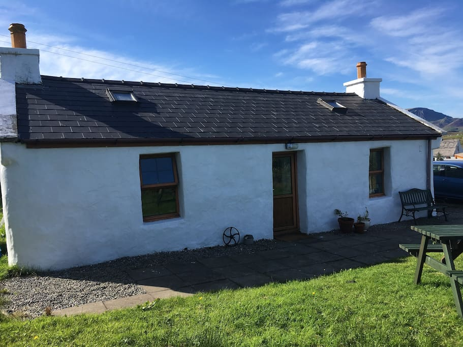 taigh 39 n rois traditional crofting cottage h uschen zur miete in culnacnoc schottland. Black Bedroom Furniture Sets. Home Design Ideas
