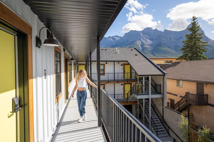 Basecamp Suites Canmore | One Bedroom Apartment