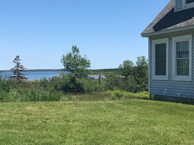LUBEC East Point Beauty - views and close to ocean