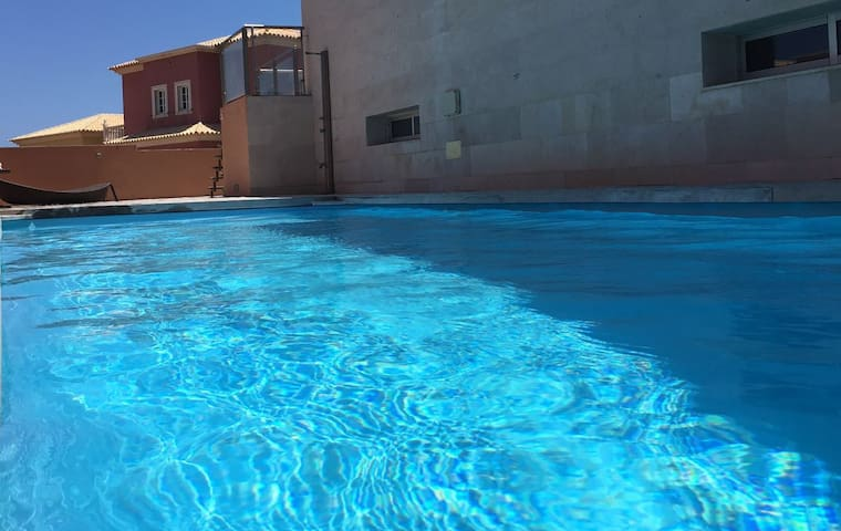 Modern Villa With Private Heated Pool - Arenas del Mar