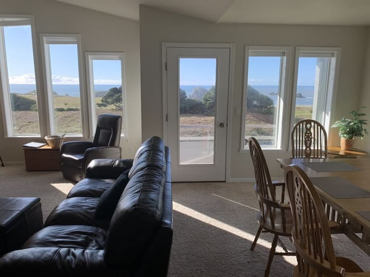 All About the View North 3 bedroom oceanfront