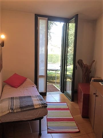 Little room in center Iseo, 5 min from lake