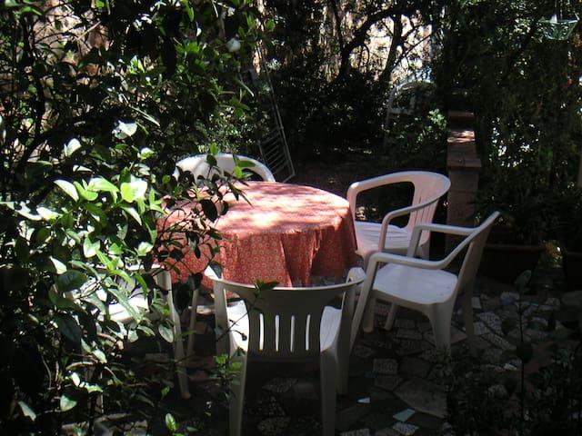Appartement dans petite maison au centre - Cap-d'Ail