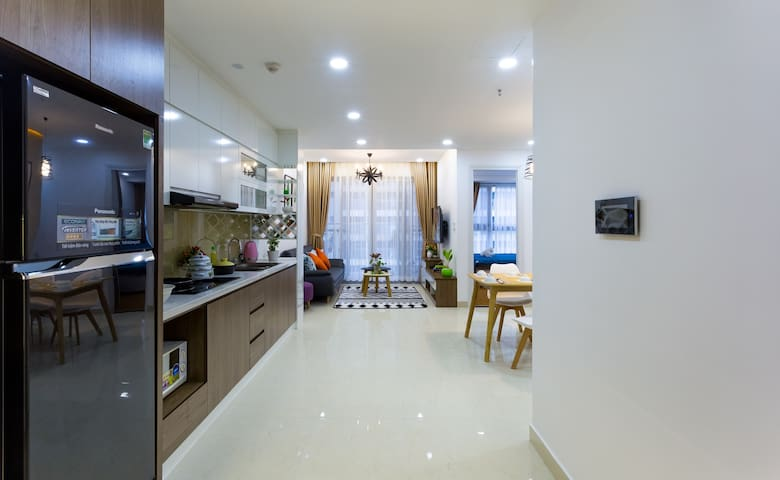 Lovely Apartment ★2BR★VIEW Pool★ Gym★GOLF★MALL