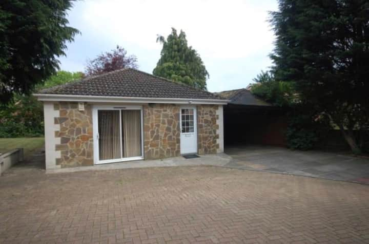 2 bedroom bungalow in the heart of Durham City
