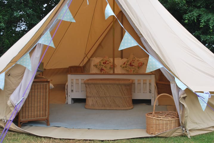 Cotswold Bell Tent & Breakfast (& off-grid shower)