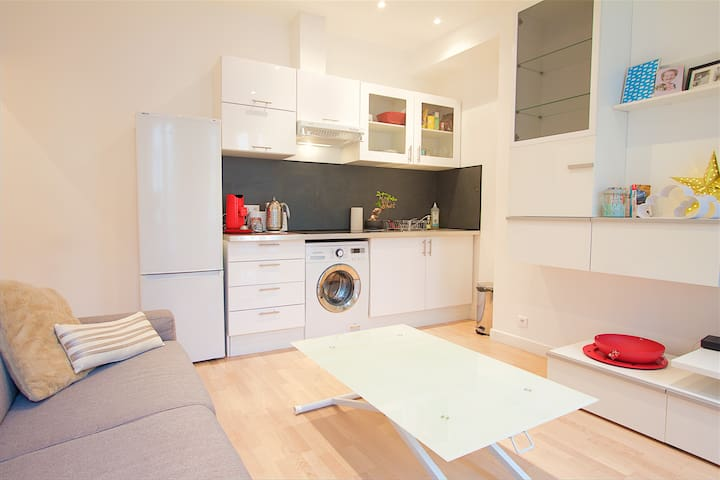 Sunny and Cosy flat in the heart of the market