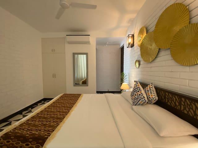 Cozy en-suite bedroom