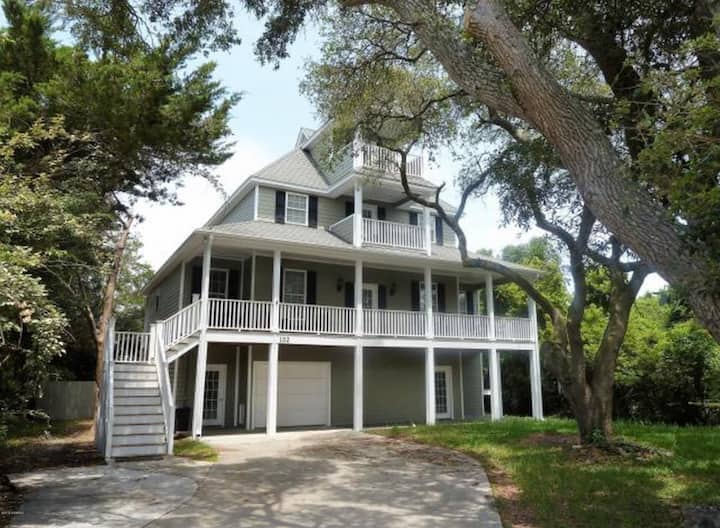 Beautiful Atlantic Beach Home close to beach!