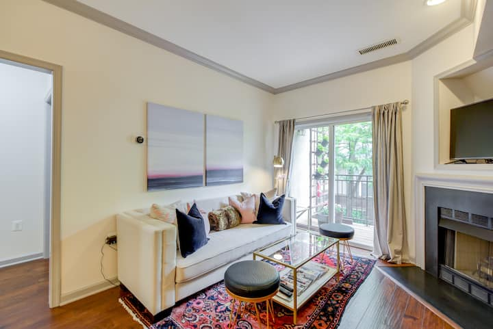 Chic Condo Steps from the Metro - 6 months+
