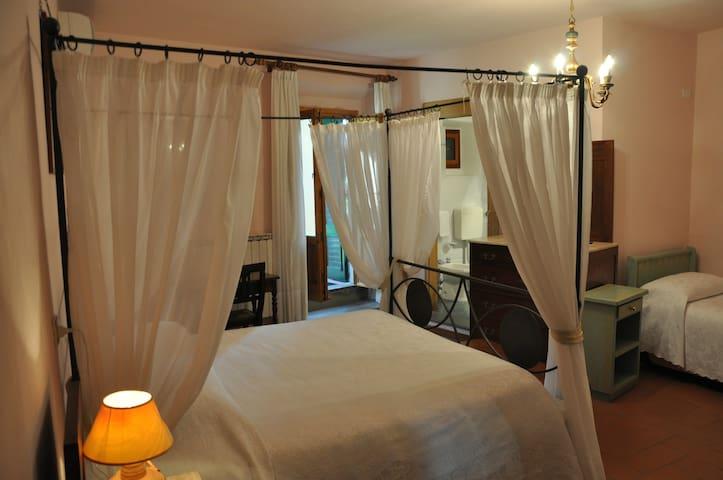 B&B La Fattoressa Room n.3 - Florence - Bed & Breakfast