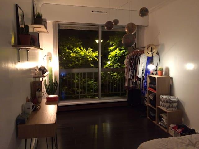 Appartement spacieux de 115m2 - Buttes Chaumont - Paris-19E-Arrondissement - Byt
