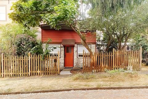 Urban Cottage in Ballard