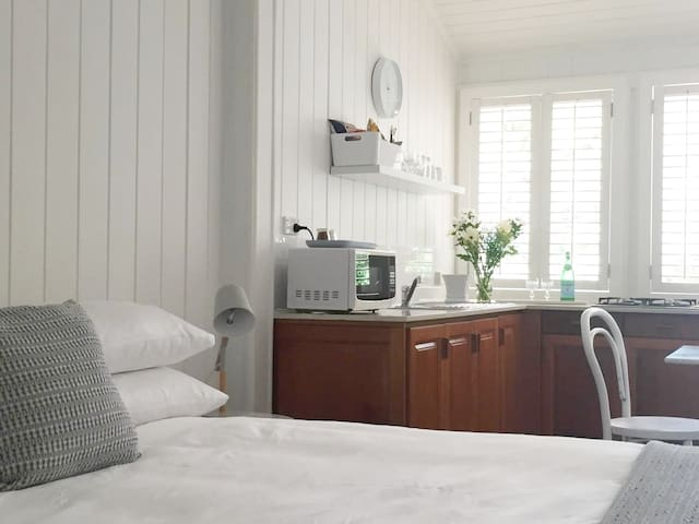 Fresh white linen, with triple sheeting for freshness.