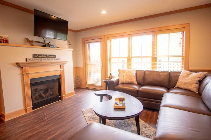 2BR SLOPESIDE CONDO AT CRANMORE MOUNTAIN Unit 1303