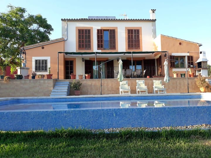 Villa with 4 bedrooms in Manacor, with wonderful mountain view, private pool, furnished garden - 9 km from the beach