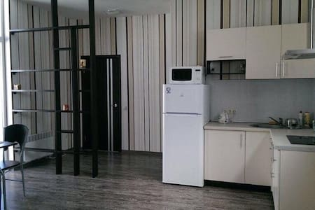 Уютный 2-х комнатный дом с барбекю - Дніпро́