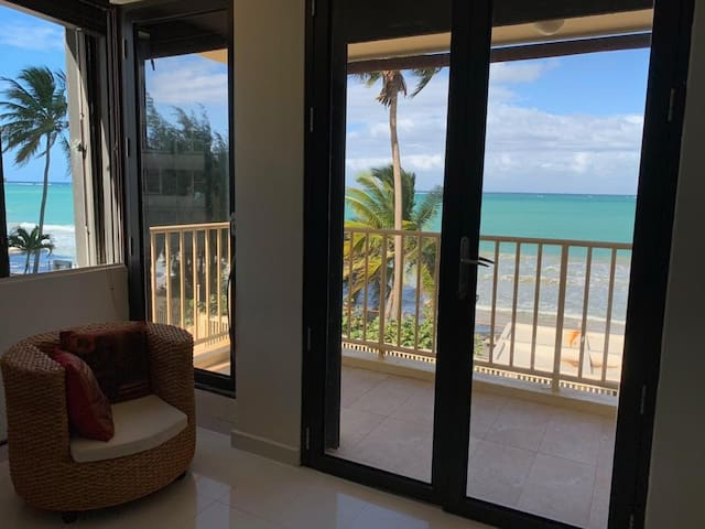 Amazing Ocean Front Views, of Isla Verde Beach! Milly 787-460-1794