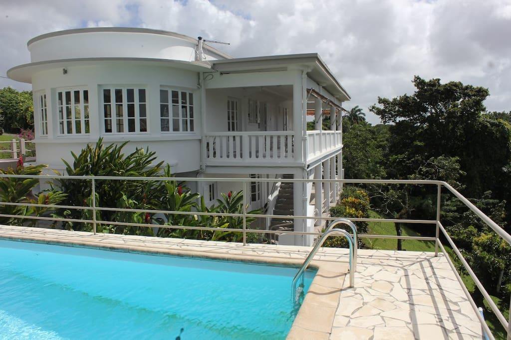 Villa d 39 exception piscine balata maisons louer - Piscine tubulaire castorama fort de france ...