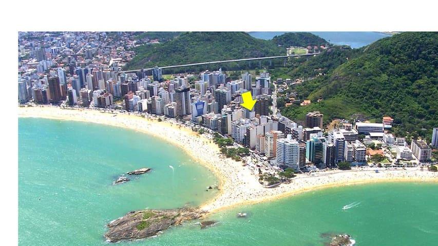 Descanse na Praia da Costa.