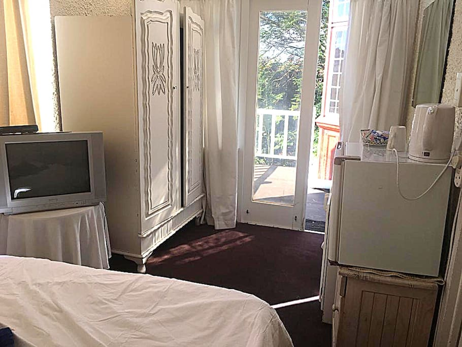 Double Budget room with shared bathroom