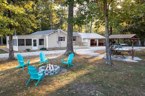 Charming 3 BR cottage on 2 acres at KY lake
