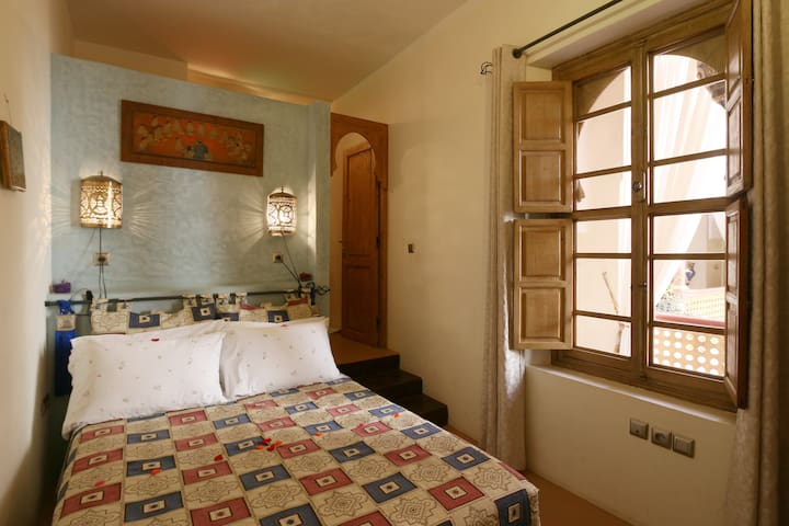 Chambre double  dans un charmant riad! - Marraquexe - Bed & Breakfast