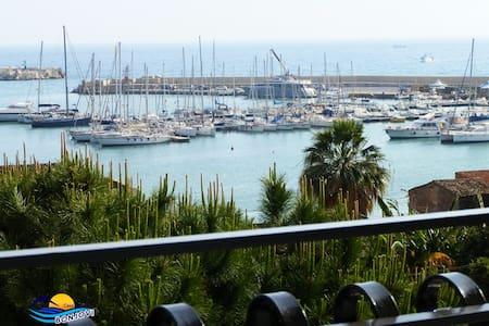 Casa Vacanze con vista sul Porto Turistico Sciacca - Sciacca