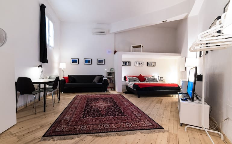 Studio apartment with private bathroom and kitchen - Roma - Diğer