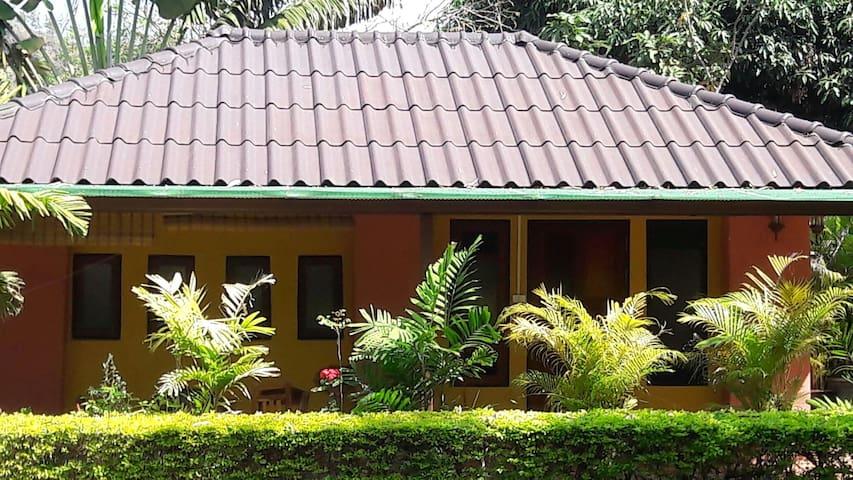 BAN PUEANTAE, Kanchanaburi. - Muang - House