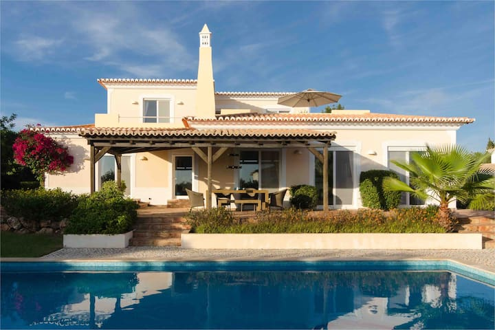Poolvilla near Carvoeiro
