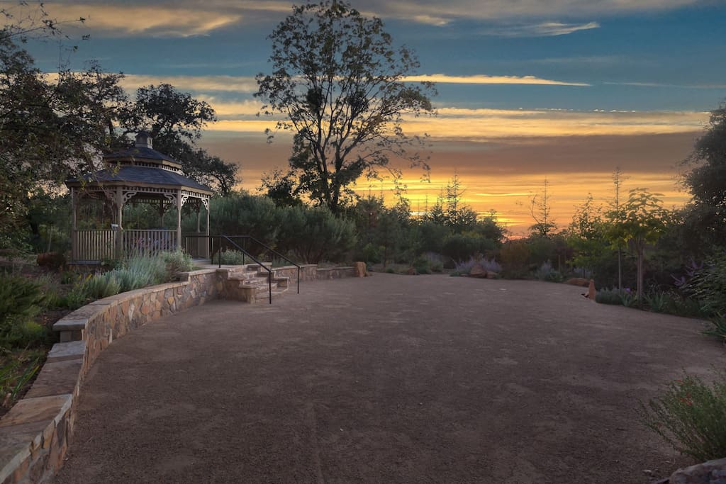 If you`re looking for a serene place to kick back with a glass of wine, get married, or renew your vows, this is the place. The magnificent sunsets, the birds, the beautiful colors of the garden, and the breeze make this an ideal setting.