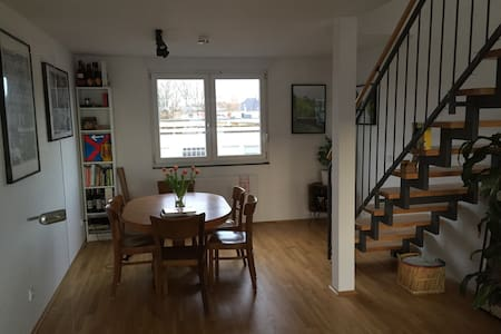 Große helle Maisonette-Wohnung mit Balkon - Köln - Wohnung