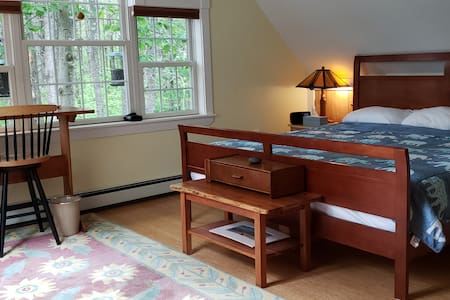 Lovely room in Maine Belgrade Lakes with hot tub