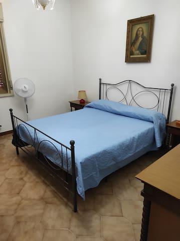 Stanza da letto matrimoniale 1