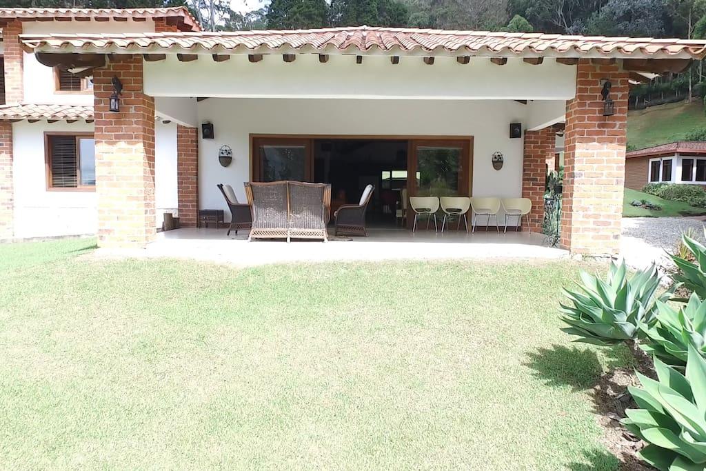 vista hacia la casa de la terraza 1
