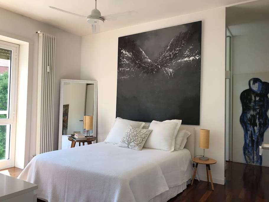 Cosy bedroom with king size bed (160x200)