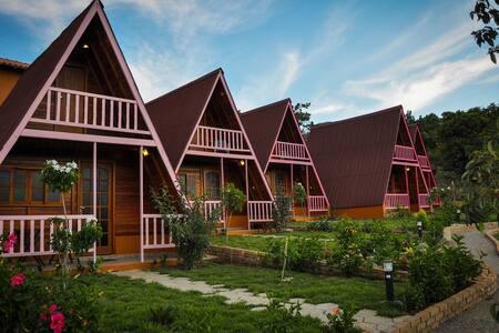 One bedroom furnished wooden chalets. - Caeté-Açu