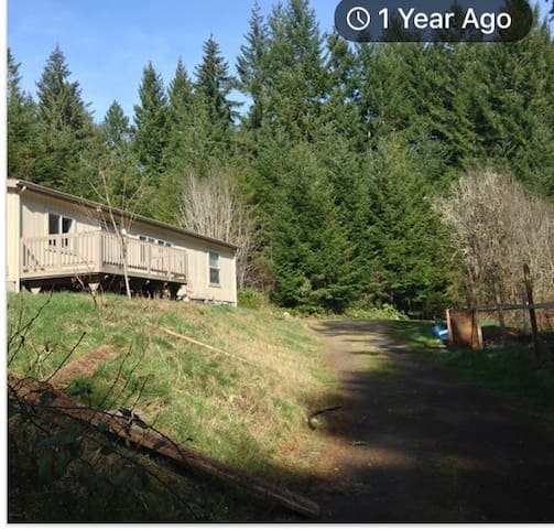 Peaceful getaway near Eugene on shared property.