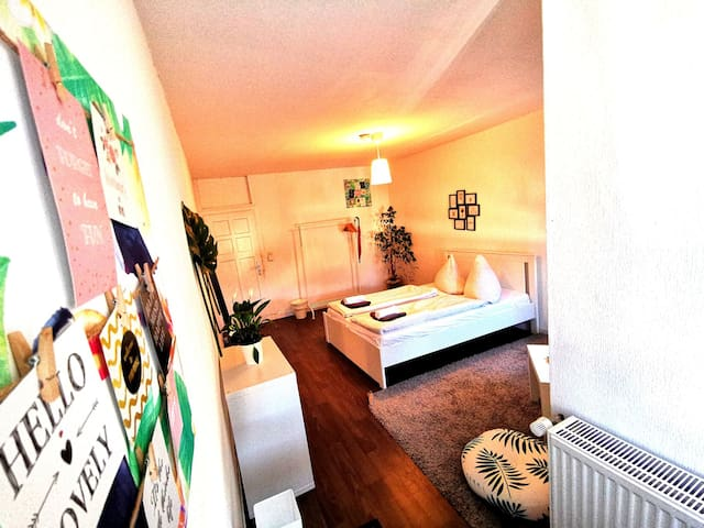 Perfect room/very close to the mainstation Hbf